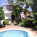 Große Villa im altkanarischen Stil mit (diversen) Nebengebäuden, Pool und paradiesischem Garten